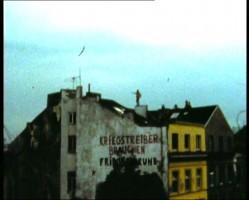 Margit Czencki/Park Fiction,  …die Wuensche waerden die Wohnung verlassen und auf die Strasse gehen  (…desires will leave home and take to the streets), film still, 1999